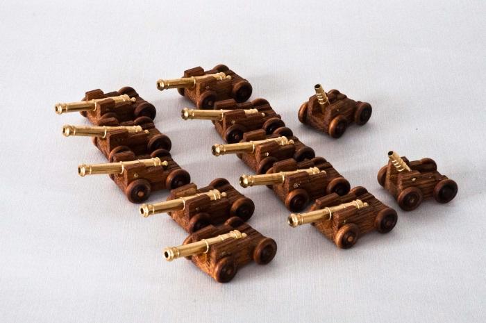 Kanoner til sjørøverskuta.